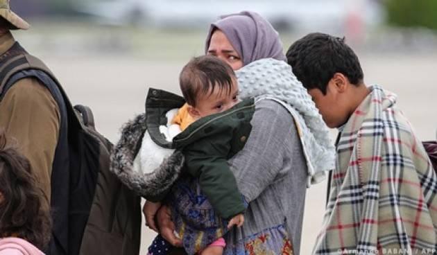 Il Parlamento Ue chiede un programma speciale di visti a Protezione delle donne afghane