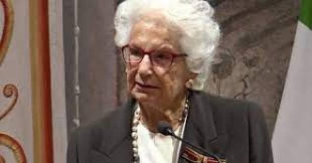 L'Ambasciatore tedesco consegna l'ordine al Merito alla senatrice Liliana Segre