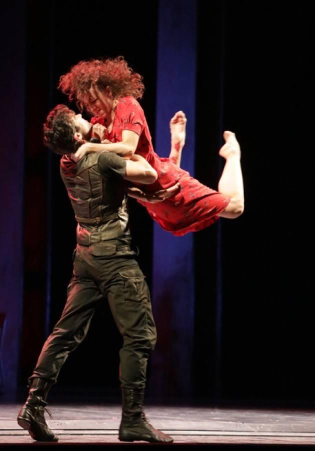 Alla Scala ''Madina'', violenza sulle donne e fanatismo