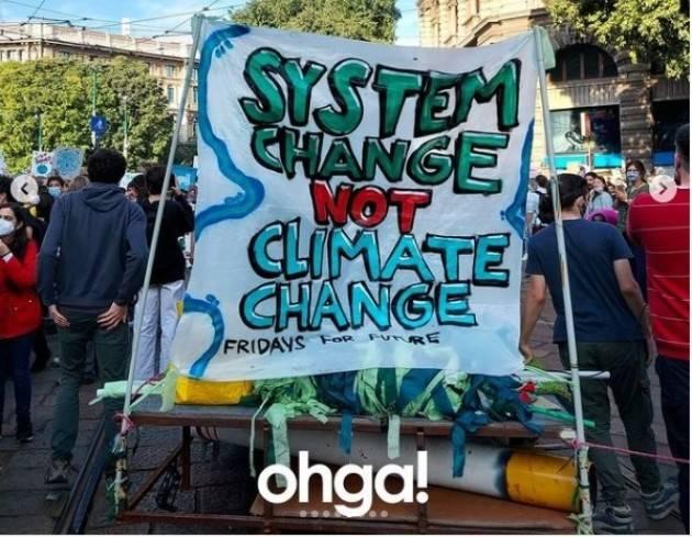 OHGA    Greta Thunberg e Vanessa Nakate in corteo a Milano per il clima