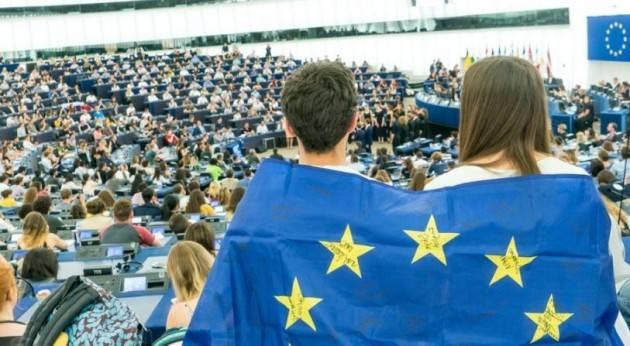 Sostenibilità, digitalizzazione e tutela del consumatore all'evento europeo della Gioventù