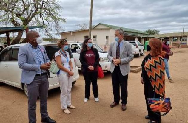 Consegnato un nuovo apparecchio al Centro di Salute di Moamba (Mozambico)