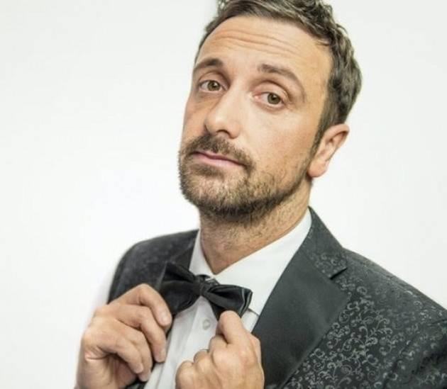 Sospiro va in scena il 2°appuntamento  con il comico Leonardo Fiaschi